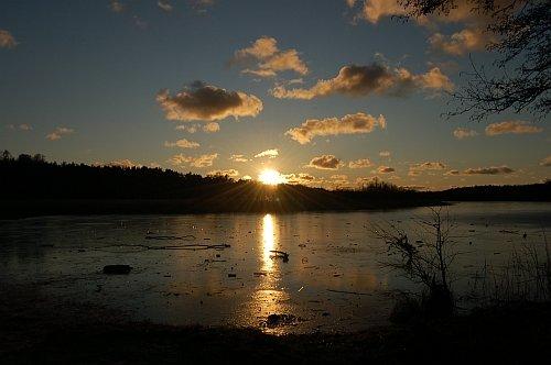 jezioro_zamarzniete.jpg